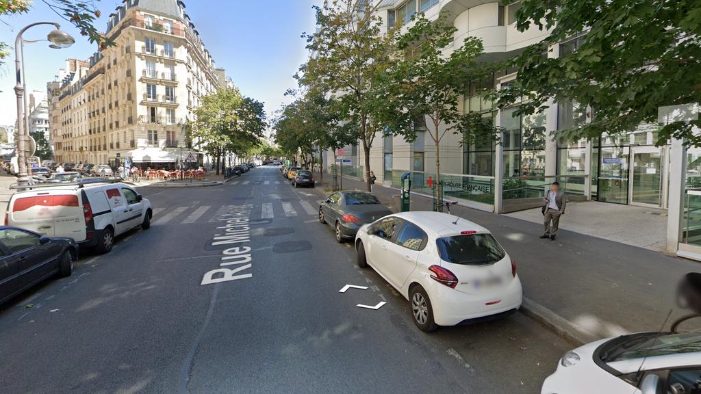 Schüsse vor Krankenhaus in Paris - mindestens ein Toter
