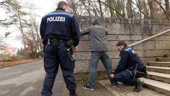 Stadtpolizisten im Einsatz – bald passé: Für die Sicherheit in Olten soll inskünftig in vollem Umfang die Polizei Kanton Solothurn zuständig sein.