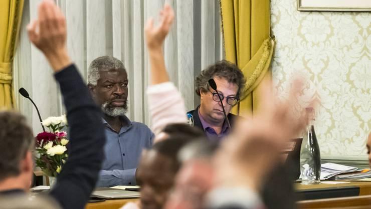 Über die Suspendierung der Gemeinderäte von Vevey, Michel Agnant (links) und Jérôme Christen (rechts), soll nun der Waadtländer Staatsrat entscheiden. (Archiv)