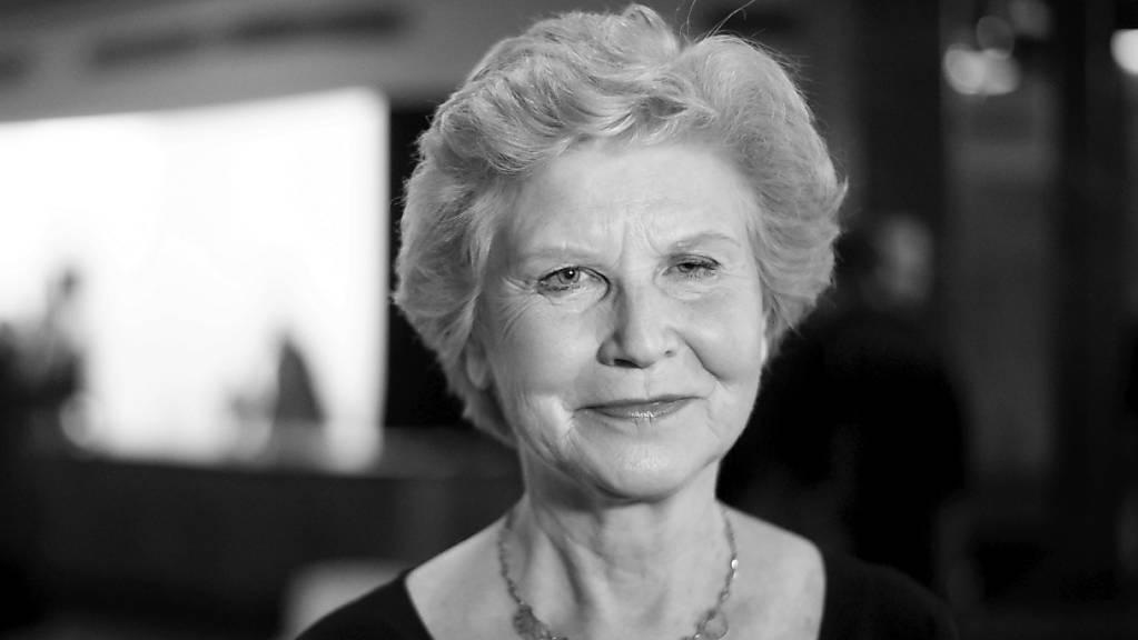 ARCHIV - Schauspielerin Irm Hermann 2015 bei der Premiere des Films «Fassbinder» in der Volksbühne Berlin. Die Schauspielerin starb im Alter von 77 Jahren. Foto: picture alliance / dpa