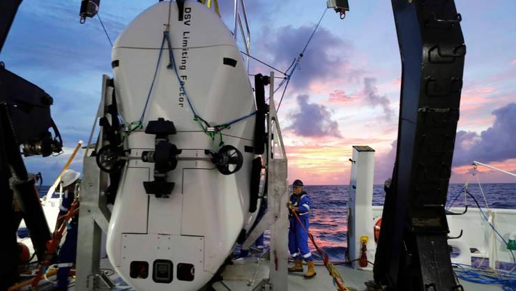Vescovo stellte den neuen Tauchrekord an Bord des Spezial-U-Boots «DSV Limiting Factor» auf.