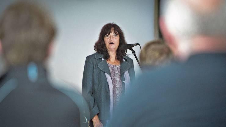 Im Rampenlicht: Kathrin Hasler bei einer Informationsveranstaltung 2012, wie es mit den Helliker Löchern weitergeht.
