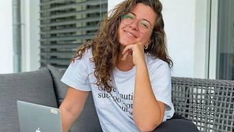 Morena Diaz hat das Homeoffice auf die Terrasse verlegt.