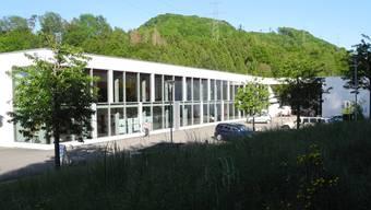 «Architektonisches Bijou»: Für das Oberstufenzentrum Fischingertal wird eine neue Nutzung gesucht. Archiv/mf