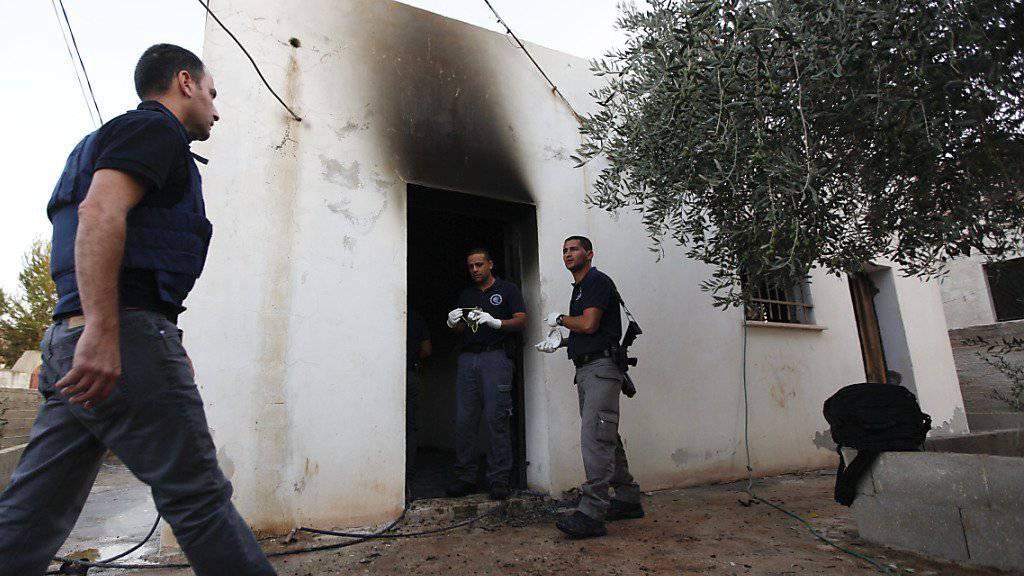 Beim Brandanschlag auf ein Haus von Palästinensern in Duma am 31. Juli starb ein 18 Monate alter Junge. Sein Vater starb später im Spital und nun ist auch die Mutter ihren Verletzungen erlegen. (Archivbild)
