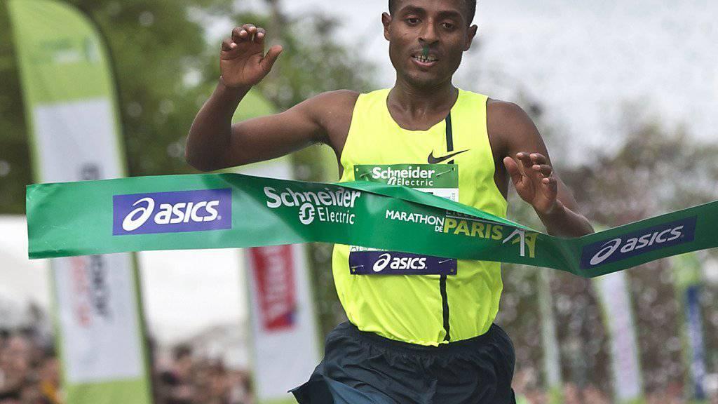 Kenenisa Bekela im April als Sieger des Paris-Marathons - aber auch im Marathon wurde Bekele von Äthiopien nicht für die Sommerspiele selektioniert