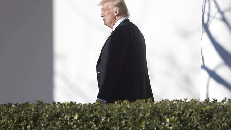 US-Präsident Donald Trump kehrt von einem Treffen mit Republikanern in Philadelphia zum Weissen Haus zurück.