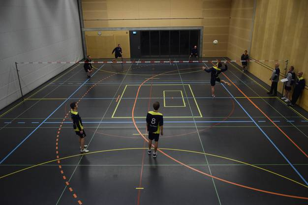 Blick von oben auf zwei Teams des TSV Deitingen