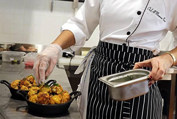 Gastro-Angestellte haben wegen der Personenfreizügigkeit mehr Konkurrenz erhalten.