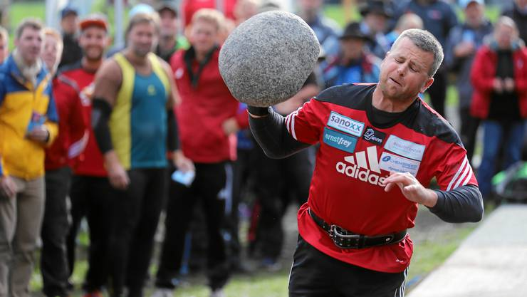 Simon Hunziker aus Herznach gewann in Interlaken gleich drei Gold- und eine Silbermedaille.