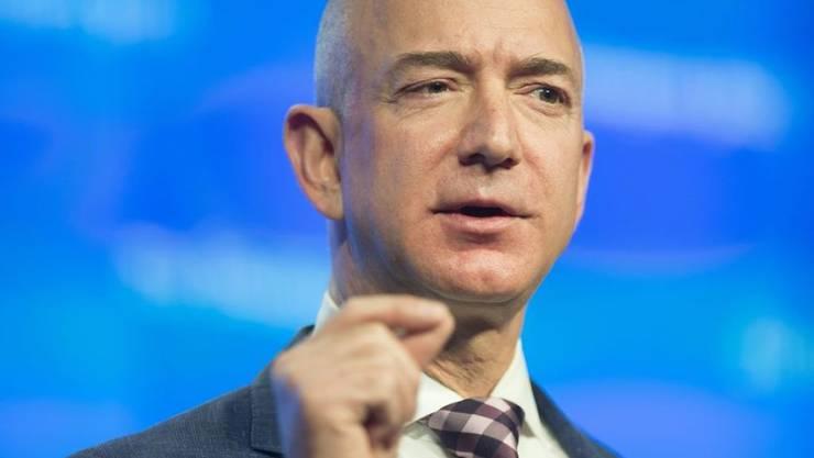 Amazon-Chef Jeff Bezos trennt sich von seiner Frau MacKenzie Bezos trennen sich. Das wurde am 9. Januar 2019 bekannt gegeben. (Archiv)