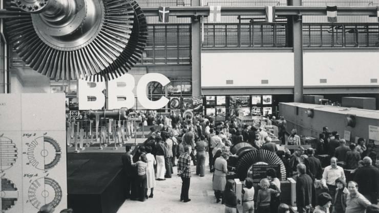 Lange wurden in Birr Dampfturbinen gefertigt – hier ein Bild von der Feier zu 75 Jahre BBC im Herbst 1976 – heute werden sie dort repariert.