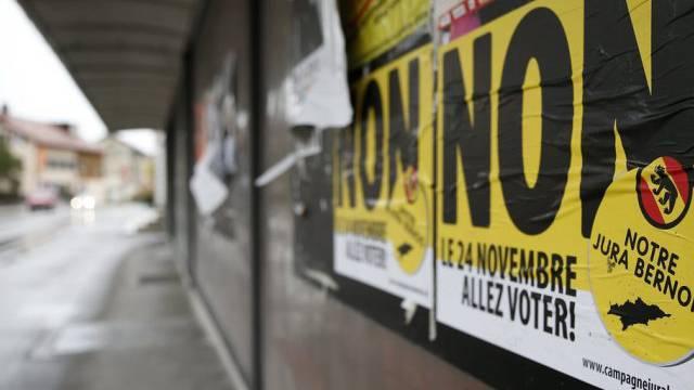 Plakate im berjurassischen Tavannes plädieren für ein Nein