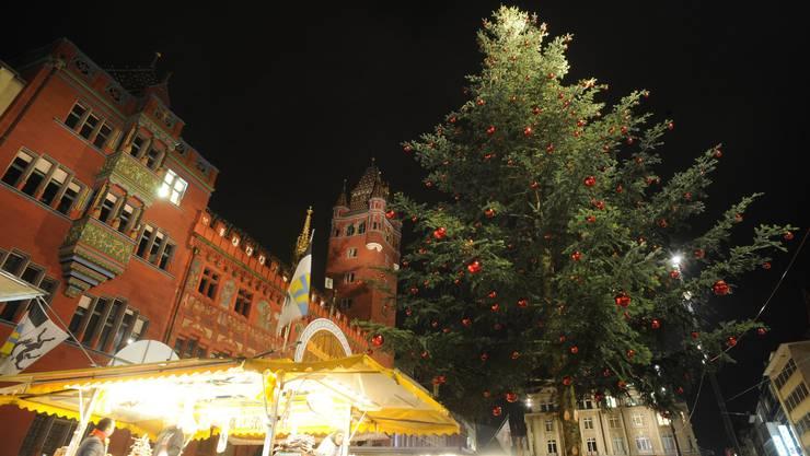 Bald wird die Weihnachtsbeleuchtung getestet, auch auf dem Marktplatz. Das passt nicht allen. (Bild: Juri Junkov)