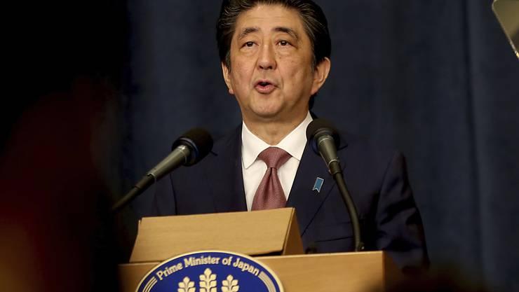 Neuer diplomatischer Schwung: Japans Regierungschef Shinzo Abe hat während eines Besuches in der jordanischen Hauptstadt Amman einen Gipfel in Tokio zur Lage auf der koreanischen Halbinsel angekündigt.