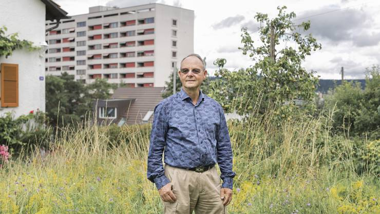 Beat Rüst übergibt nach 25 Jahren das Präsidium der Grünen Schlieren Laura Zangger.
