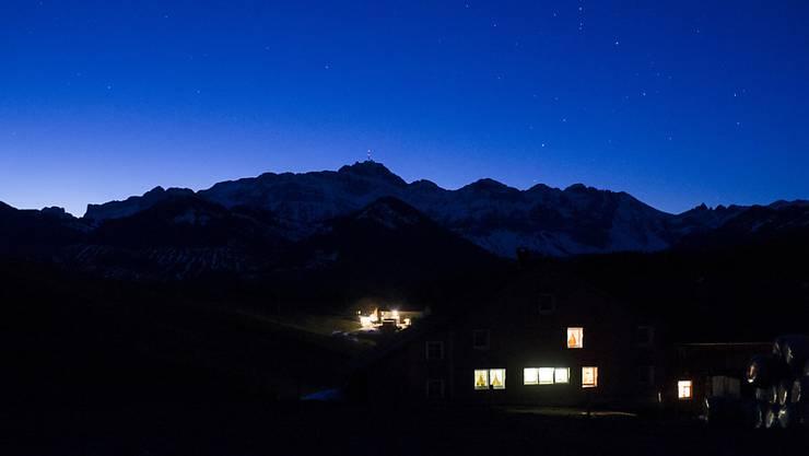 Die Nacht auf Dienstag ist die längste Nacht des Jahres auf der Nordhalbkugel und somit auch in der Schweiz. Je nördlicher die Lage, desto länger dauert die Nacht (Symbolbild).