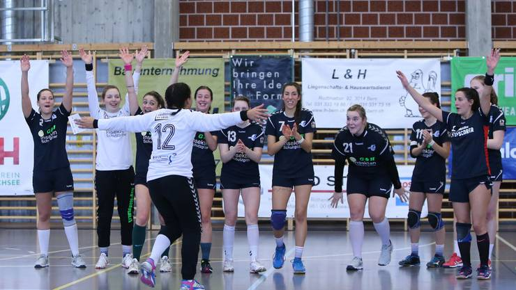 Torhüterin Priscilla Köster wird von ihrem Team als Best Playerin gefeiert.