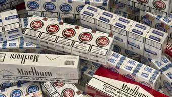 Die Zigaretten hatten einen Wert von mehreren zehntausend Franken. (Symbolbild)