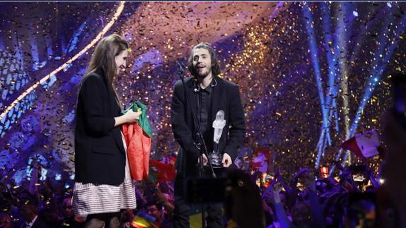Eurovision-Sieger liegt im Sterben