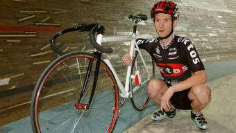Der Krienser Ex-Veloprofi Jean Nuttli 2002 in Genf, kurz vor seinem ersten Versuch, den Stundenweltrekord zu brechen.