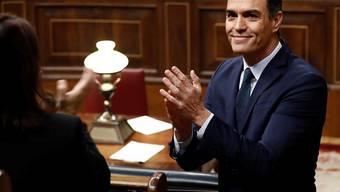 Pedro Sánchez ist beim ersten Versuch, Spaniens Regierungschef zu werden, gescheitert. Nun wird am Dienstag eine zweite Abstimmung stattfinden, bei der eine einfache Mehrheit genügt. Die Chancen stehen gut, dass es dann klappt.