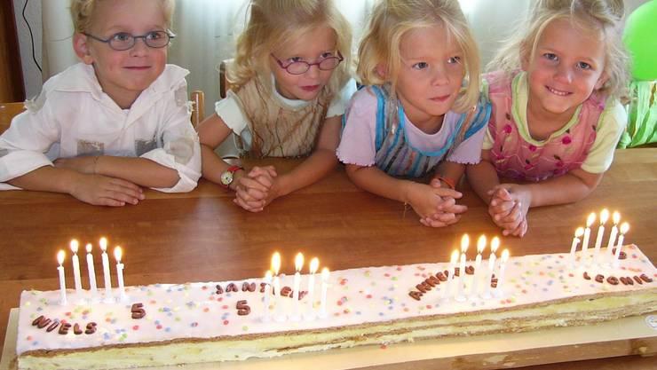 Die Vierlinge an ihrem 5. Geburtstag. (Bild pd)