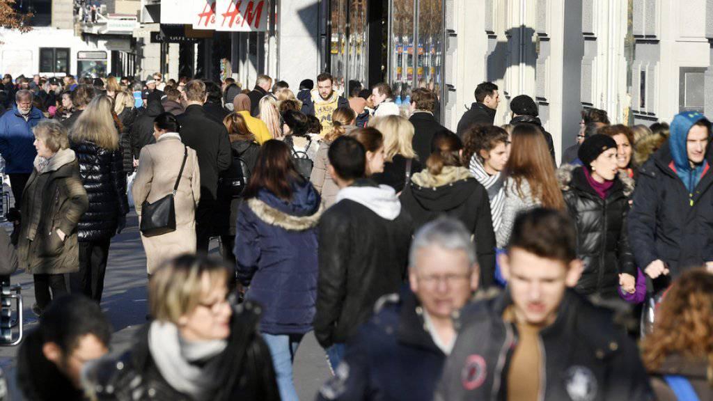 Der Gewerkschaftsbund will gegen die schwindende Kaufkraft der Menschen in der Schweiz vorgehen. (Symbolbild)