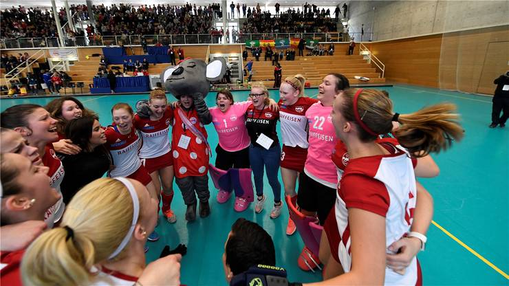 Rotweiss feiert die Bronzemedaille.