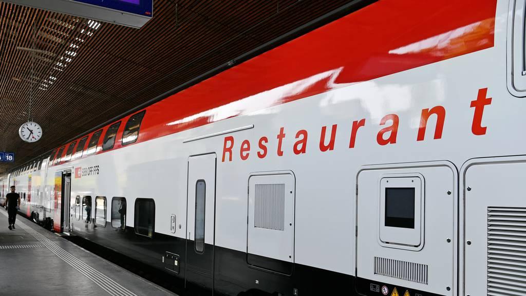 An Bord speisen: Schweizer öV nimmt den Normalbetrieb weitgehend wieder auf