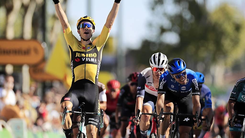 Der formstarke Belgier Wout van Aert jubelt an der Tour ein zweites Mal über einen Etappensieg