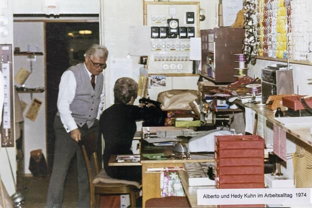 Alberto und Hedy Kuhn im Arbeitsalltag um 1974.