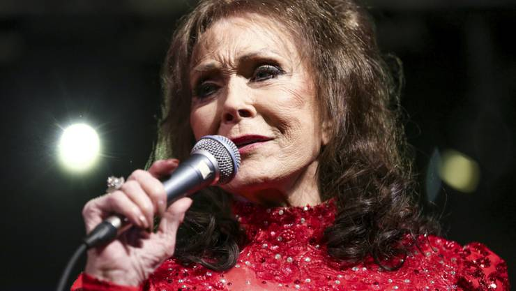 Die Gesundheit geht vor: US-Countrysängerin Loretta Lynn will sich erst richtig von ihrem Schlaganfall erholen, bevor sie das neue Album veröffentlicht. (Archivbild)