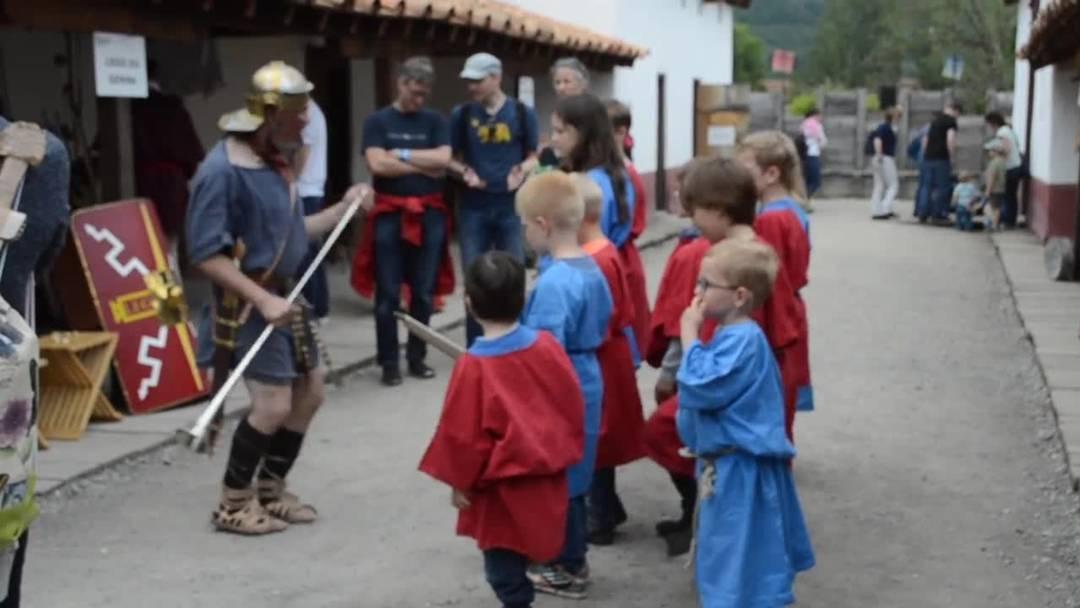 Legionärspfad Windisch: Die kleinen bereiten sich auf den Marsch vor
