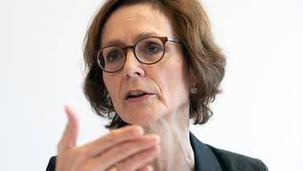 Economiesuisse-Chefin Monika Rühl will die National- und Ständeratskandidatinnen und -kandidaten für die Anliegen der Wirtschaft sensibilisieren. (Archivbild)