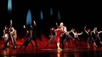 Das Theater Basel zeigt das Handlungsballett von Richard Wherlock.