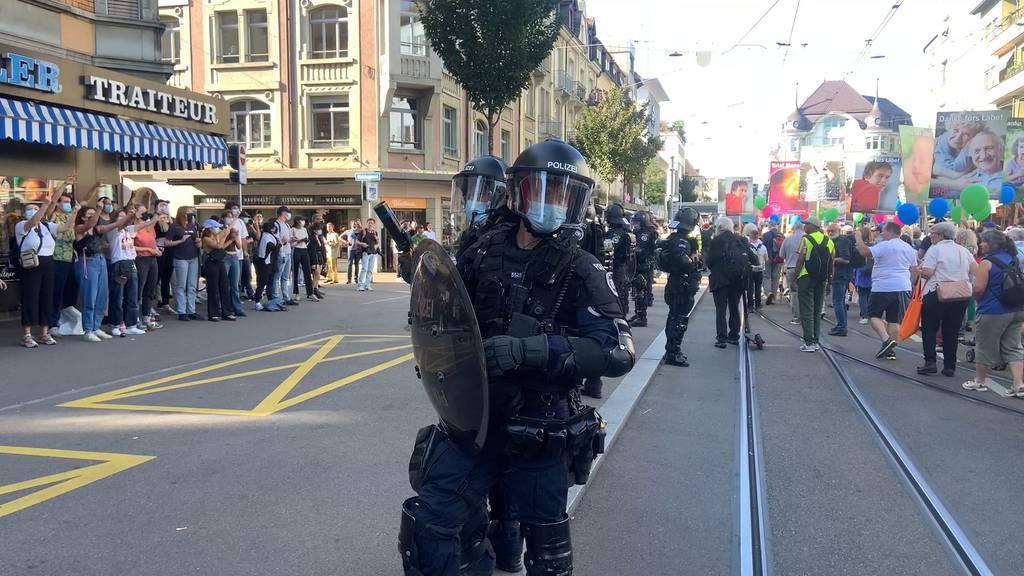«Marsch fürs Läbe»  und Gegendemo in Oerlikon: Polizei mit Grossaufgebot im Einsatz