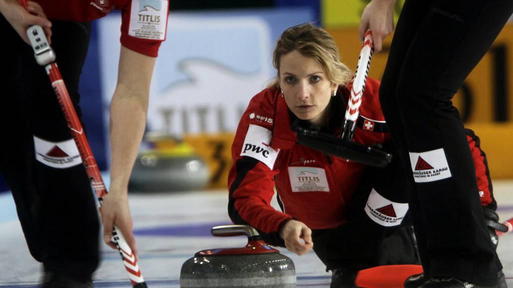 Curling-EM
