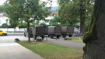Eine Truppe im Einsatz auf dem Areal der Kantonsschule Solothurn.