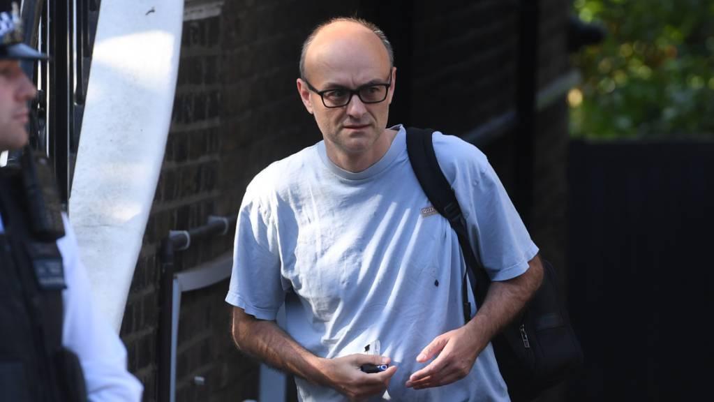 Dominic Cummings, Leitender Berater des britischen Premierministers Johnson, verlässt sein Haus im Norden Londons. Foto: Kirsty O'connor/PA Wire/dpa