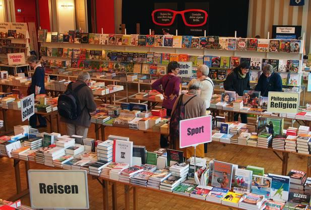 Bücher aus den verschiedensten Genres werden gezeigt