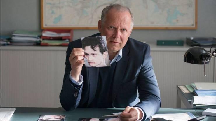 Borowski (Axel Milberg) sucht diesen Jungen - es ist Mike (Joel Basman).