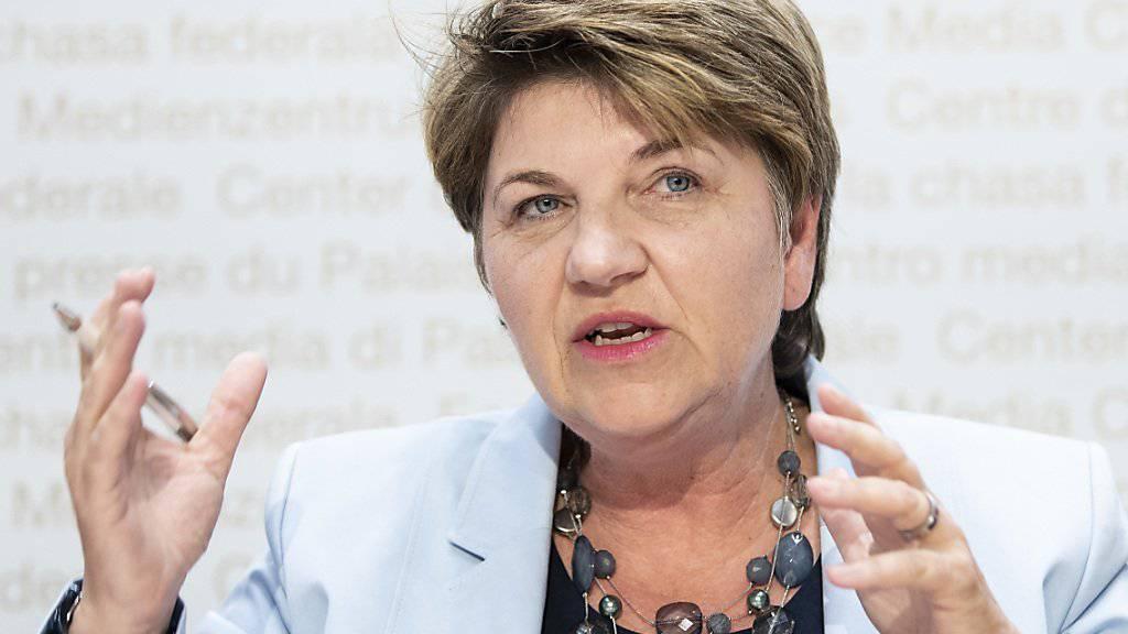 Mit 6 Milliarden Franken können genügend Kampfjets gekauft werden. Davon ist Verteidigungsministerin Viola Amherd überzeugt.