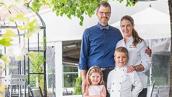 Martin und Daniela Ettisberger mit Mira und Luca: «Mit ein Grund für die gute Bewertung könnte unsere Gastfreundschaft sein.»