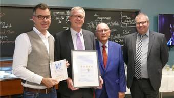 Über die fünf Sterne fürs «Aqualon» freuen sich (v.l.): Marc Bertschinger, Franc Morshuis, Rudolf Forcher und Bürgermeister Alexander Guhl. Axel Kremp