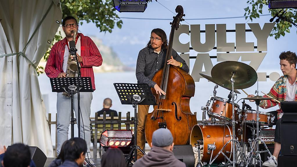 Das Jazz Festival Cully endete am Sonntag mit einer Bilanz von rund 12'000 Besucherinnen und Besuchern.