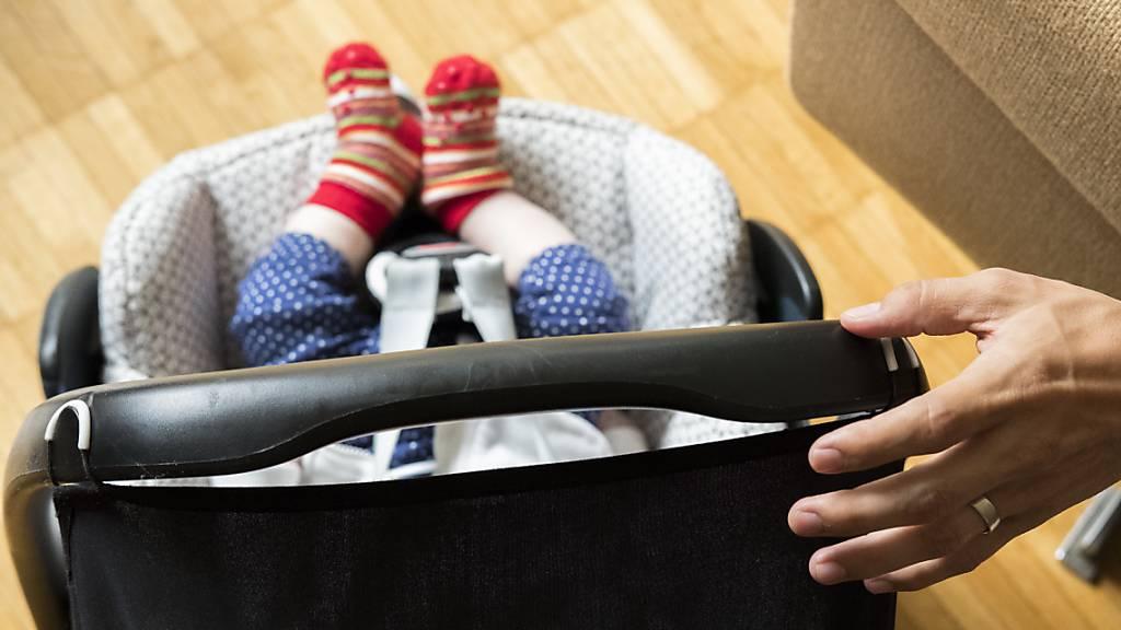 Warnsystem gegen Vergessen von Baby im Auto nun Pflicht