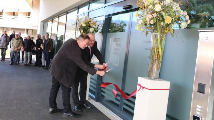 BIA-Präsident D. Frey und Gemeindepräsident W. Rhiner eröffnen das BIA-Gebäude