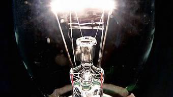 Ineffiziente Glühbirnen verschwinden Schritt für Schritt.