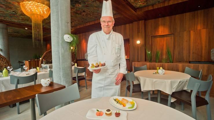 Siegfried Rossal, Küchenchef des Seerose Hotel & Spa, kreierte das neue Menü fuer die Fluggesellschaft Swiss.